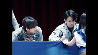 {Complete Version} BTS Adorable Expression on seeing this Little Girl HD Fancam