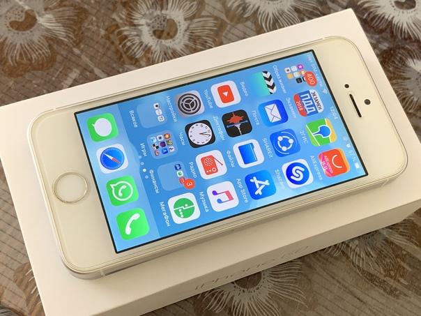 Продам iPhone SE серебристый на 32 Гб