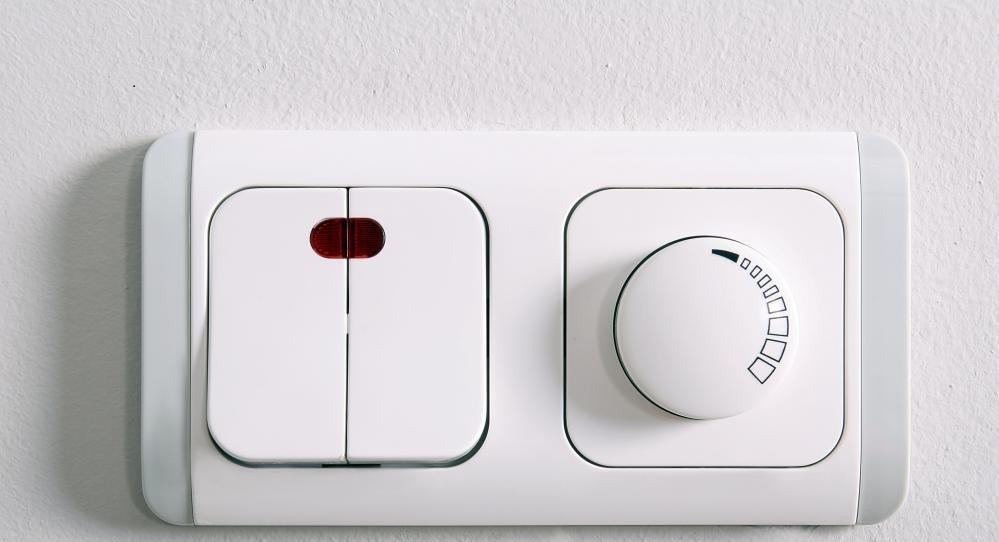 Световой выключатель является примером устройства сборки коммутатора.
