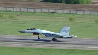 2 Sukhoi Su 35S 22 RF 95147 & 23 RF 95148 Russian Air Force Takeoff RWY25 UNNT