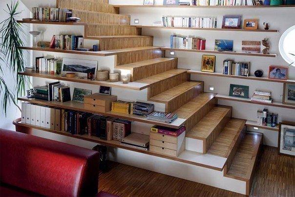 Лестница с полочками (1 фото)