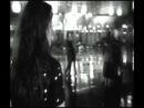 Charlotte Gainsbourg - L´un part, l´autre reste.