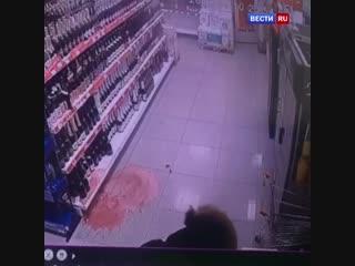 Стрелял по бутылкам и ограбил магазин: в Якутске ищут грабителя с обрезом