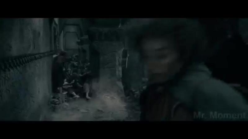 Битва в Мории. Орки и пещерный тролль нападают на Братство Кольца. Властелин колец_ Братство кольца. ( 360 X 640 )