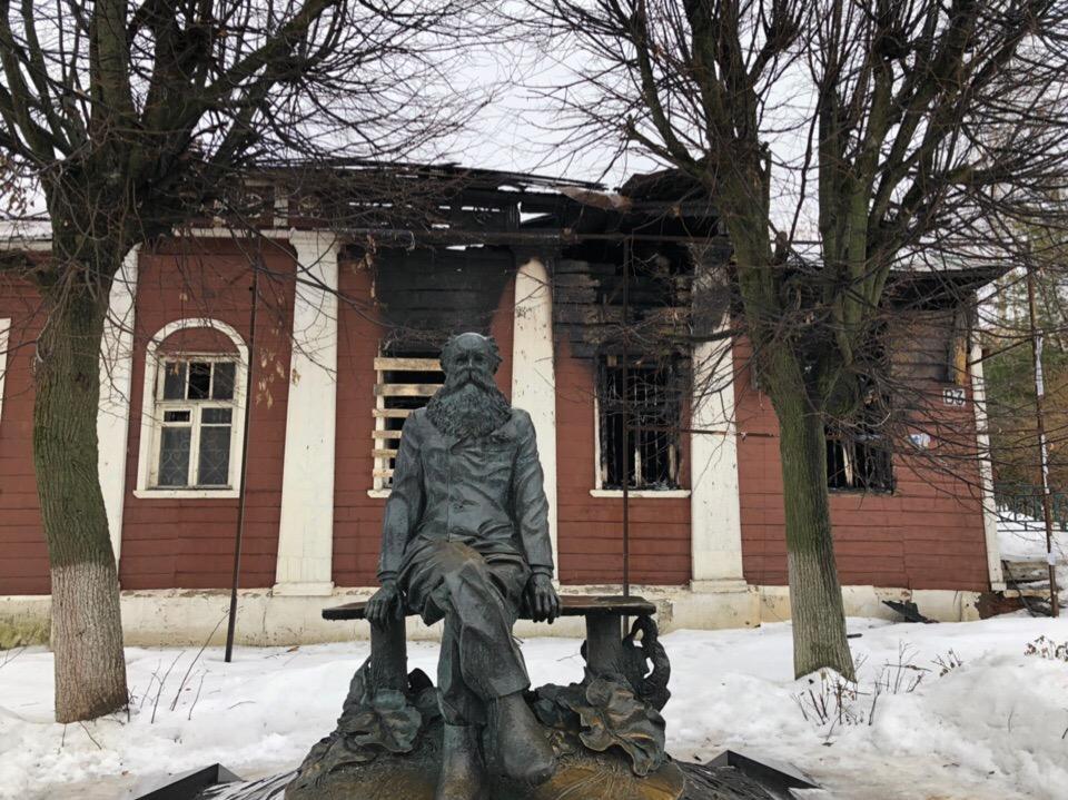 Сколько можно?! В Дмитрове опять жгут памятники федерального значения