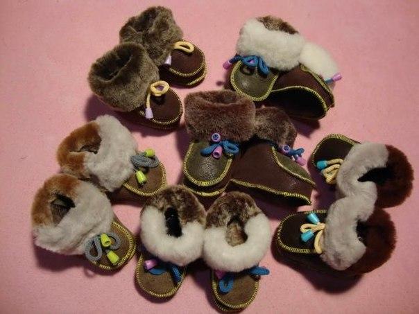 Пинетки ботиночки из меха. (2 фото) - картинка