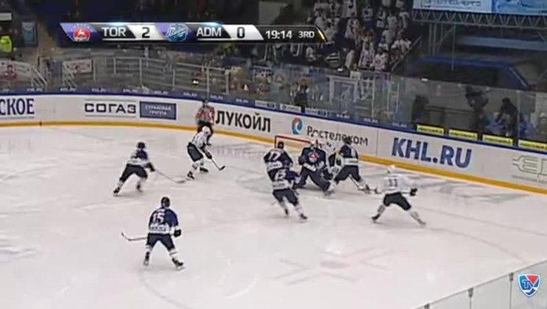 Моменты из матчей КХЛ сезона 14/15 • Гол. 2:1. Александр Горшков (Адмирал) сократил разрыв в счёте 30.11