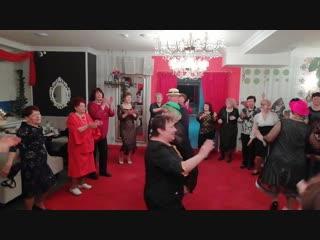Заключительная песня на танцевальном вечере в Кстово с группой СМЕНА ,