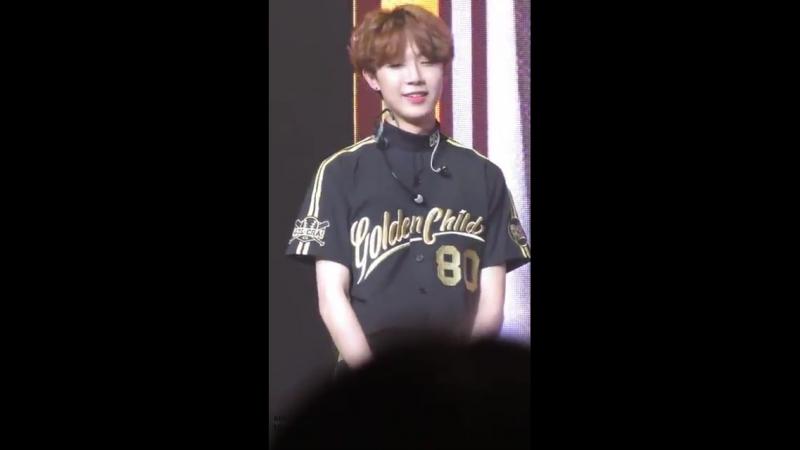 [VK][180522] Golden Child (focus Donghyun) @ 1st Fanmeeting 'Golden Day'