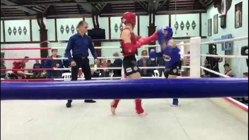 Мой бой я в синем шлеме почти нокаут