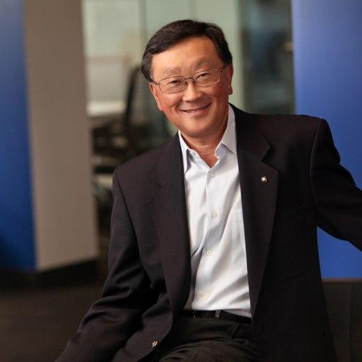 Гендиректор BlackBerry Джон Чен: владельцы iPhone любят обнимать стены