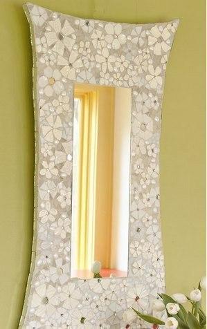 Креативная идея украшения зеркала из побившихся тарелок