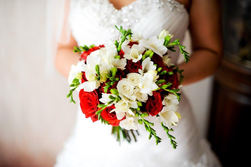 Свадебные аксессуары в едином стиле
