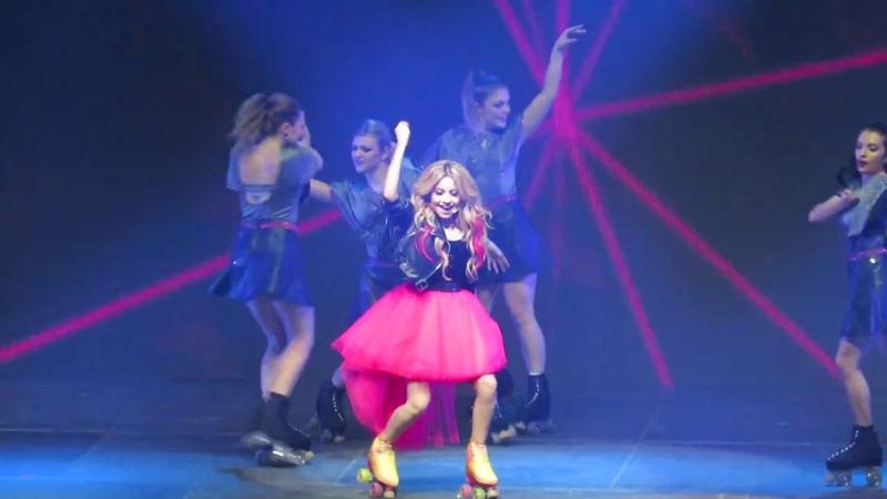 Solo para ti - Soy Luna en Vivo Chile 2018 Full HD