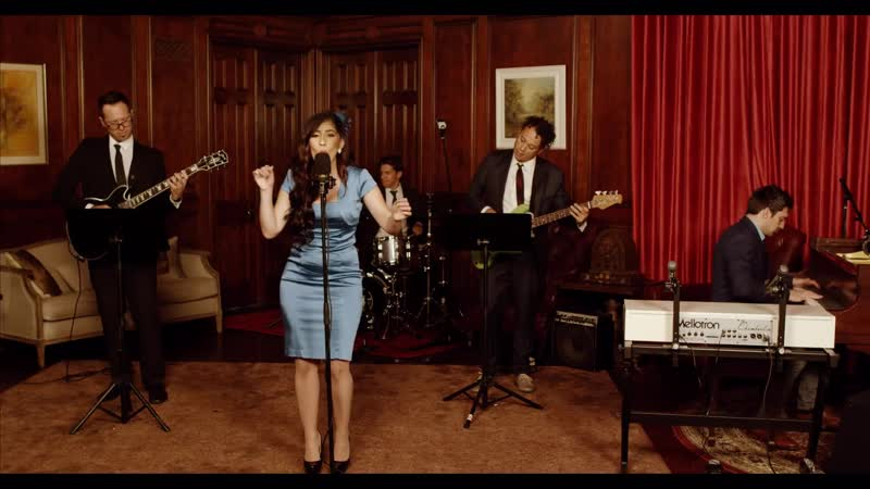 Genie in a Bottle Christina Aguilera 60s Style Cover ft Brielle Von Hugel