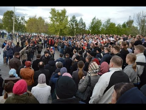 Восьмой день борьбы за сквер в Екатеринбурге. Прямой репортаж с места событий