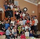 Вот такая у нас большая семья. Мамин день рождения. Собрались дети, внуки и правнуки.