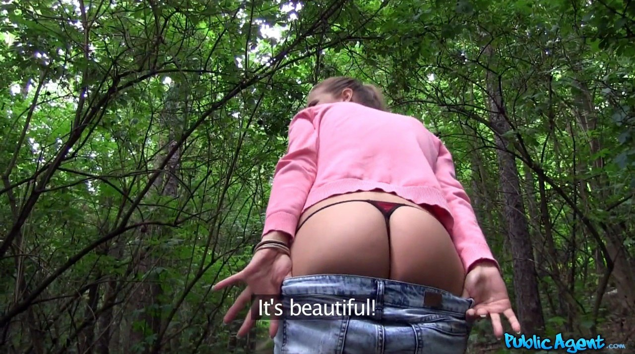 Twerking booty ho jizzed