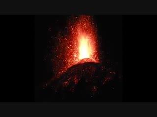 Вулкан Фуэго в Гватемале