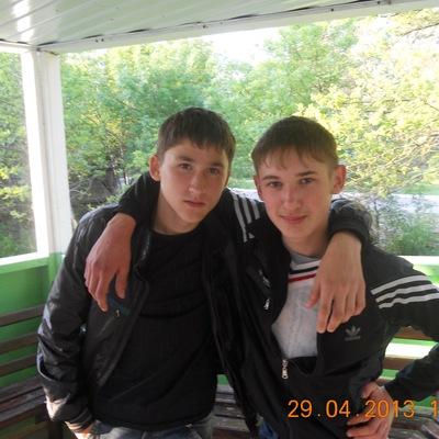 Петя Касмынин, id146975778