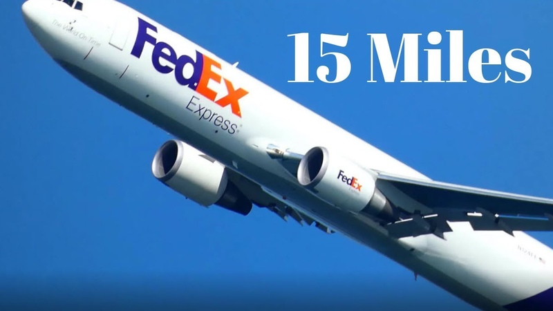 FedEx plane video From 15 miles away