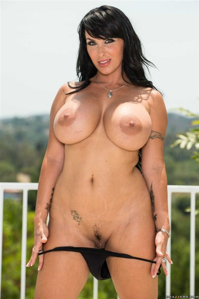 secretive Aishwarya rai hot boob show say i'm fun person