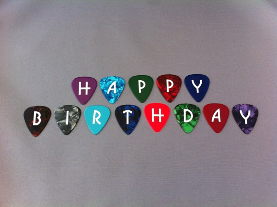 С днем рождения гитаристке