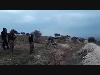 كمين محكم تحرير الشام يقتل مجموعة كاملة من الزنكي ويدمر آلية على محور قرية بازيهر