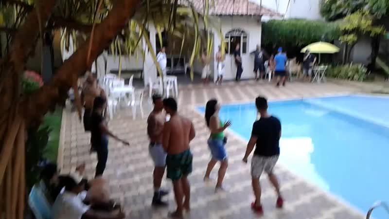 Nyx Pool Party agita mansão no Eldorado em Contagem (MG) - www.fervecao.com