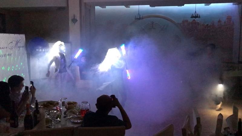 """Art Group """"PRIDE""""- световой танец молодожёнов"""