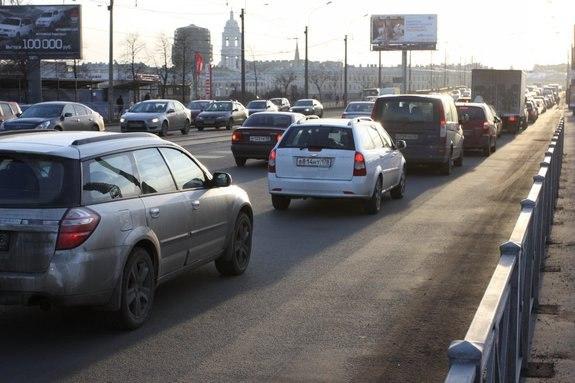 С 10 ноября на Васильевском острове заработала новая схема движения.  С первого же дня ее.