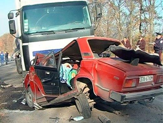 После удара Chevrolet вылетел