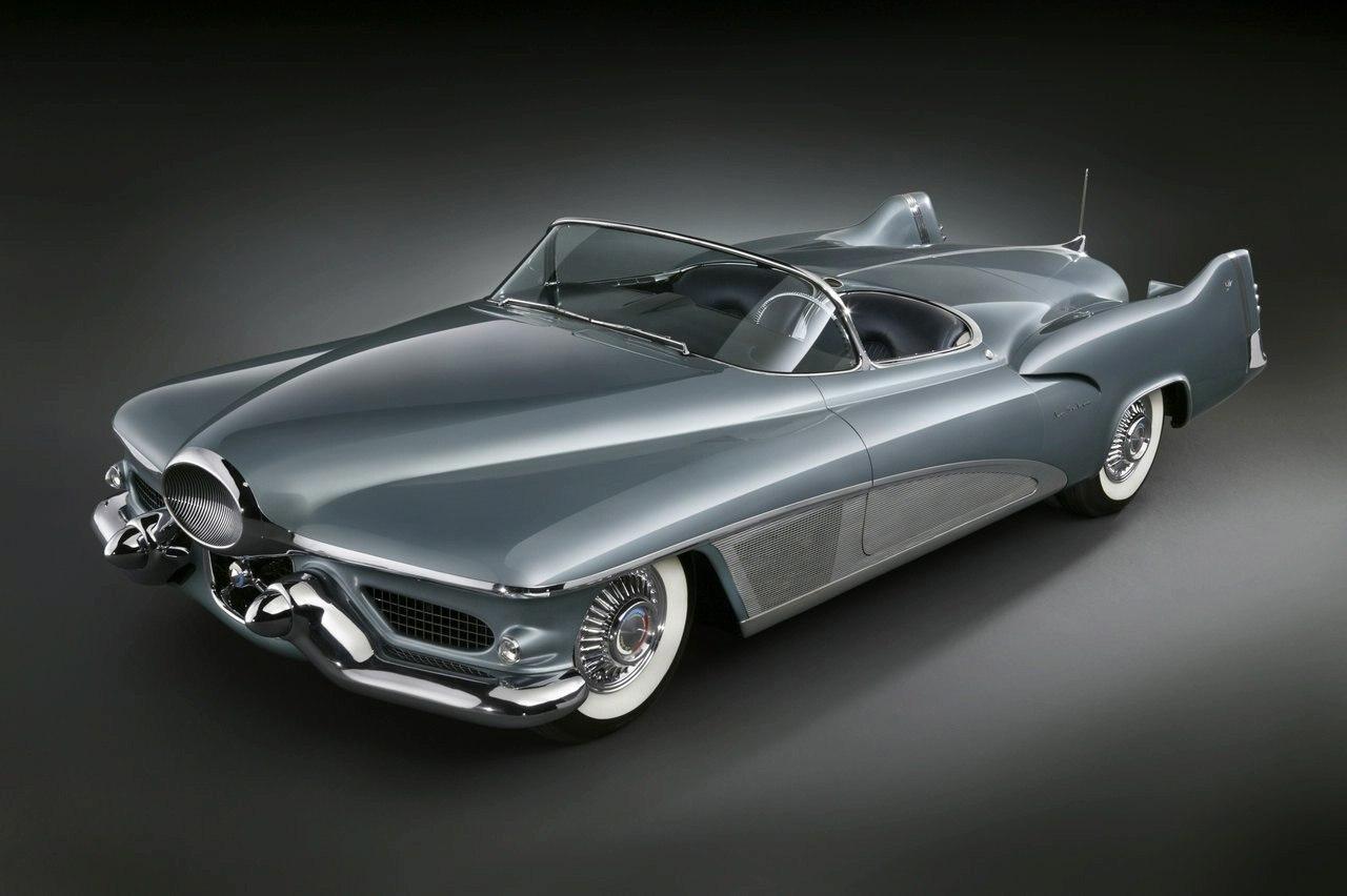 """Концепт GM LeSabre 1951 года - первое применение сложного панорамного стекла с """"заходом"""" на двери"""