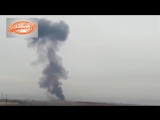 شاهد.. لحظة هبوط الطيار الروسي بالمظلة قبل مقتله في إدلب (720p) (via Skyload)