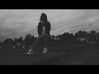 AlyoNa & Dii - deep end (vid rmx) lite video