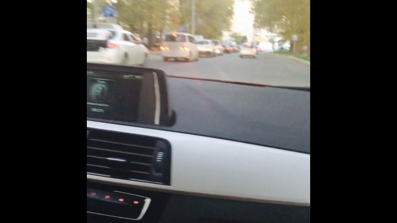 BMW сама переключает подсветку!