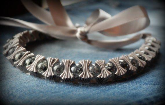 Оригинальные украшения из ленты и бусин.... фото #1.  Главная.