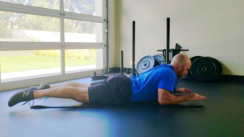 Quick Isometric Exercise to Strengthen the Upper Back