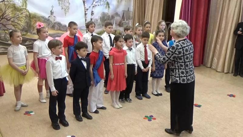 Святая ночь в исполнении хора 2 класса под руководством Л.А.Дуловой 15.04.18 » Freewka.com - Смотреть онлайн в хорощем качестве