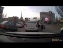 На Нагибина два водителя устроили драку. Февраль 2016. Ростов-на-Дону