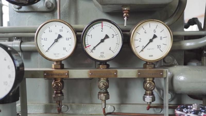 Запуск дизельного двигателя с Германской подводной лодки времён 2ой Мировой войны🔊