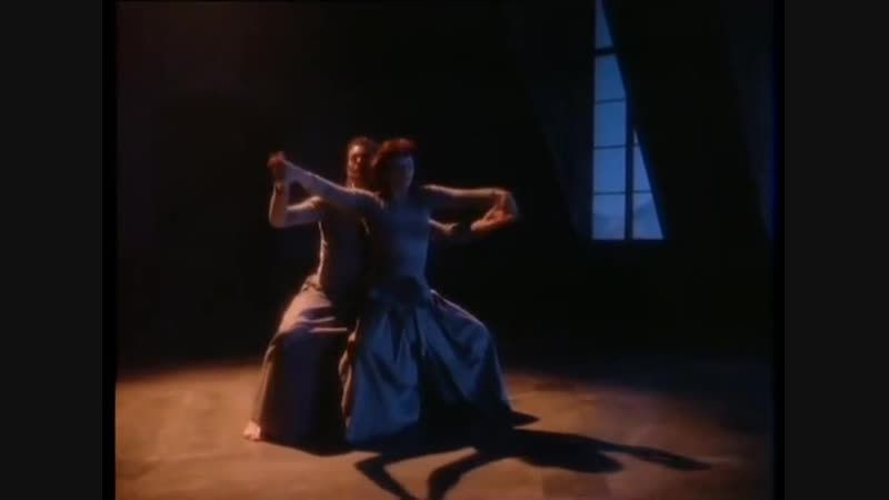 Kate Bush - Running Up That Hill (1985)