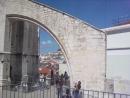 У развалин монастыря кармелитов, Лиссабон.