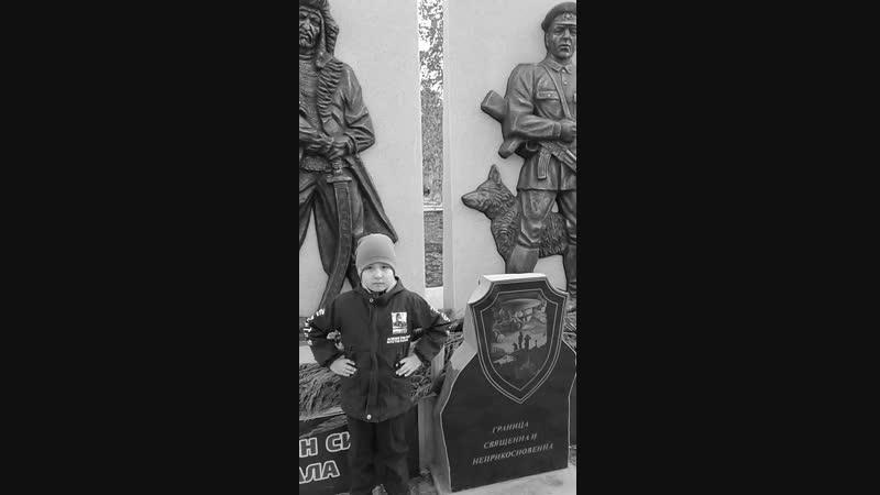 Рамаҙан Әлмөхәмәтов Мин фронтҡа китәм, иптәштәр! М.Кәрим шиғыры