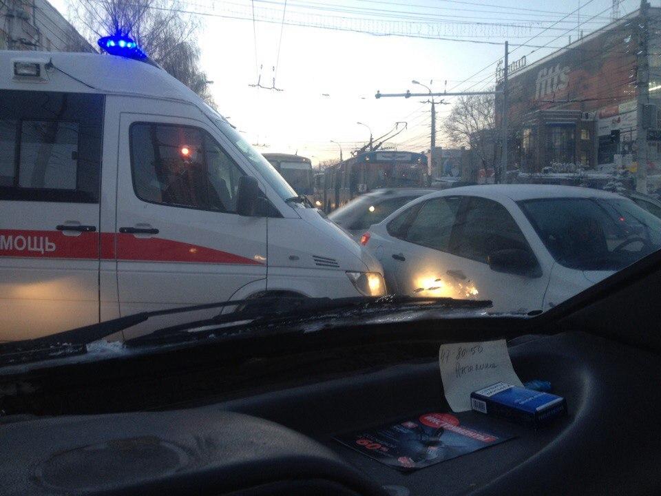 Тройное ДТП вКирове: в трагедию угодила «скорая»