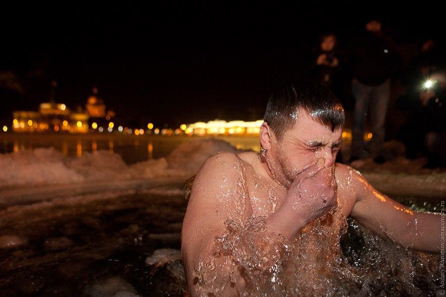 Крещенские купания Санкт-Петербург Университетская набережная Петропавловка