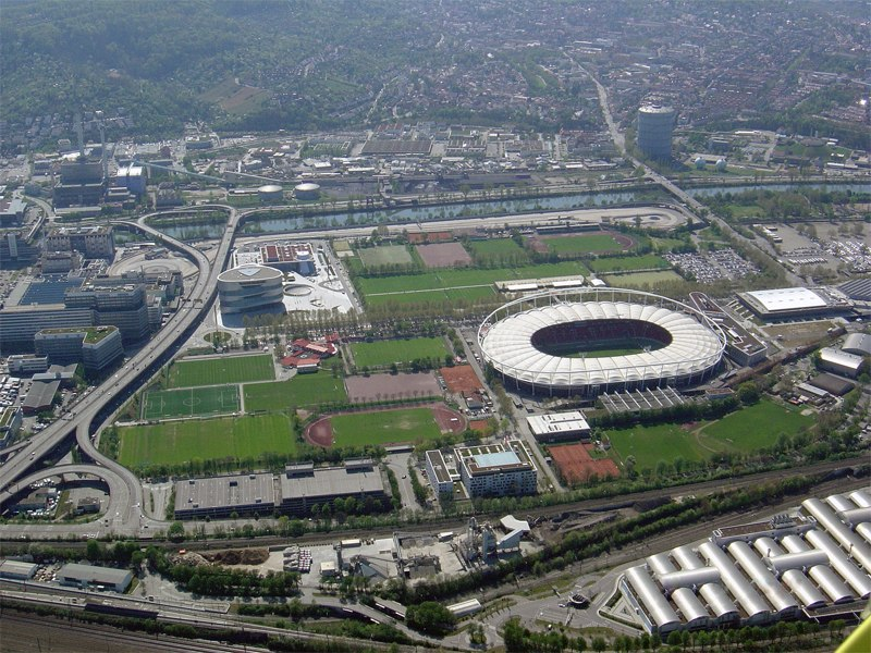 Стадион Мерседес-Бенц-Арена (Mercedes-Benz-Arena). Штутгарт, Германия.