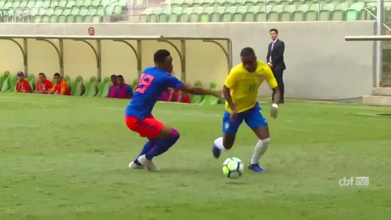 Любимый финт Роналдиньо, Эластико в исполнении Винисиуса