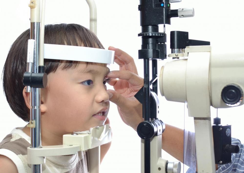Некоторые офтальмологи могут специализироваться на педиатрическом уходе за глазами.