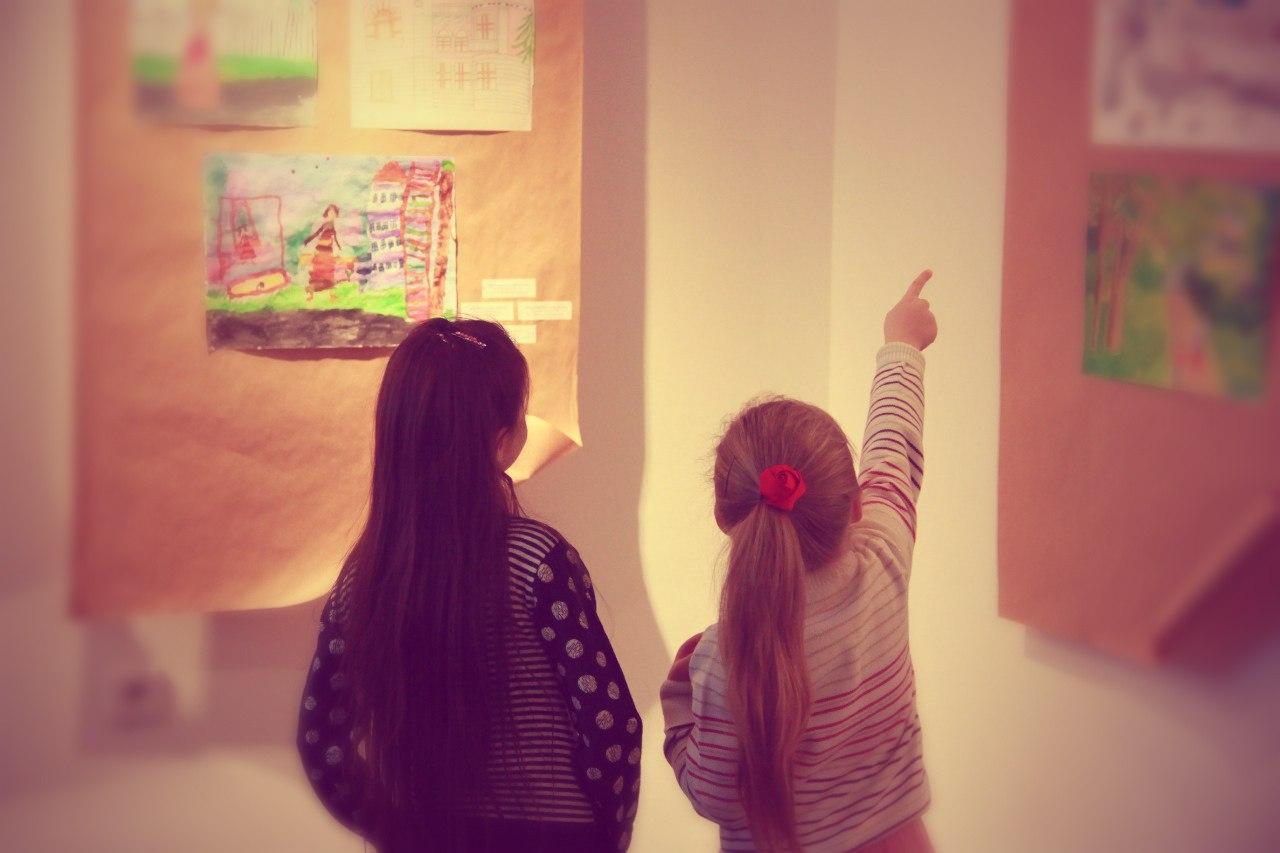 Фотографии с открытия выставки «Симбирск-Ульяновск глазами детей» 2013